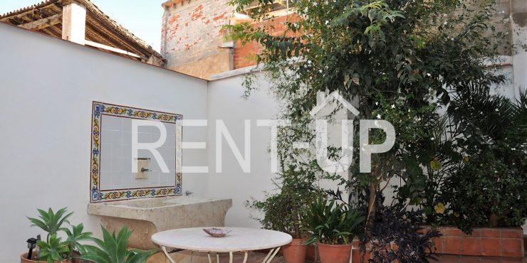 Venta casa con encanto con patio y terraza, en Xàtiva Ref. 1205