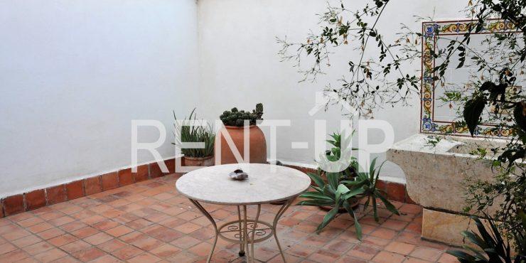 Venta casa en Xàtiva con patio y terraza, Ref. 1205